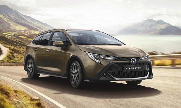 Corolla Trek có gầm xe cao hơn tiêu chuẩn, lưới tản nhiệt hình tổ ong. Ảnh: Toyota