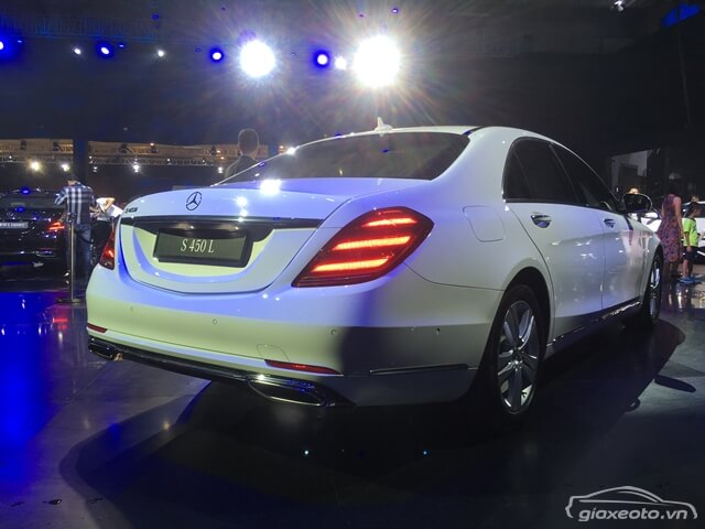 hong-xe-mercedes-benz-s450