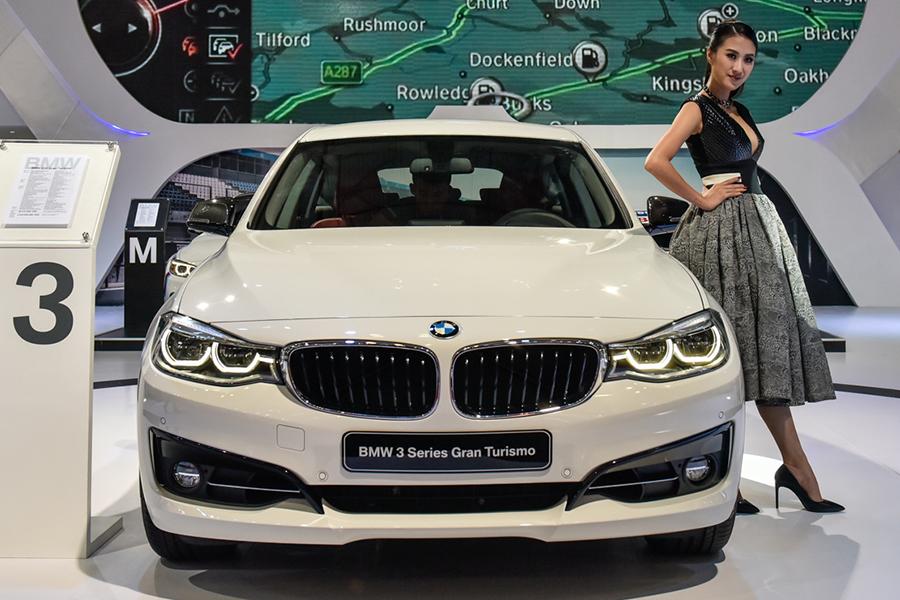 BMW 3 Series Gran Turismo hoà hợp những đường thẳng của thiết kế động lực học với vẻ thanh lịch, quyến rũ