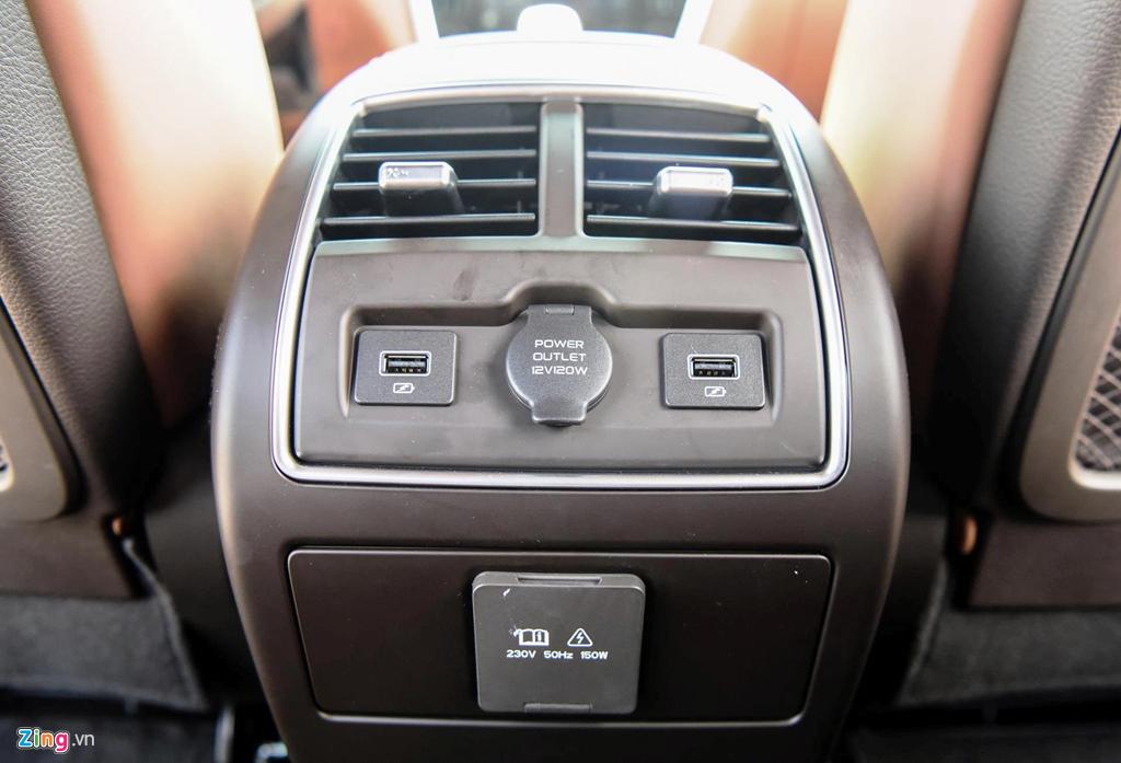 Mau sedan gia 990 trieu VinFast Lux A2.0 ban thuong mai co gi? hinh anh 14
