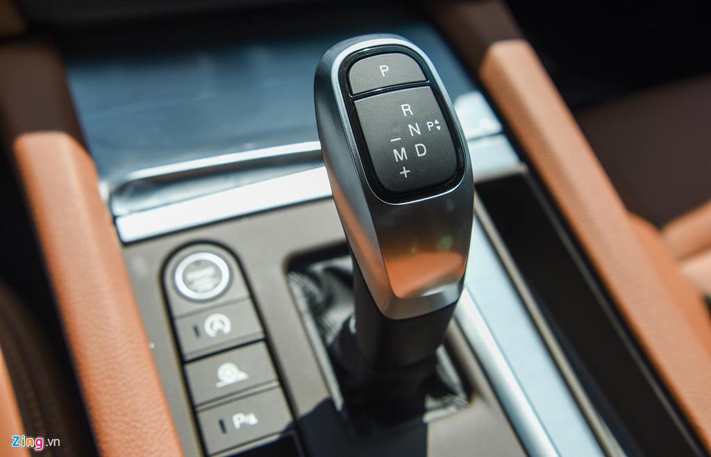 Mau sedan gia 990 trieu VinFast Lux A2.0 ban thuong mai co gi? hinh anh 8