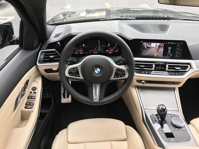 Cận cảnh BMW 330i M-Sport giá gần 2,4 tỉ đồng tại Việt Nam - ảnh 5